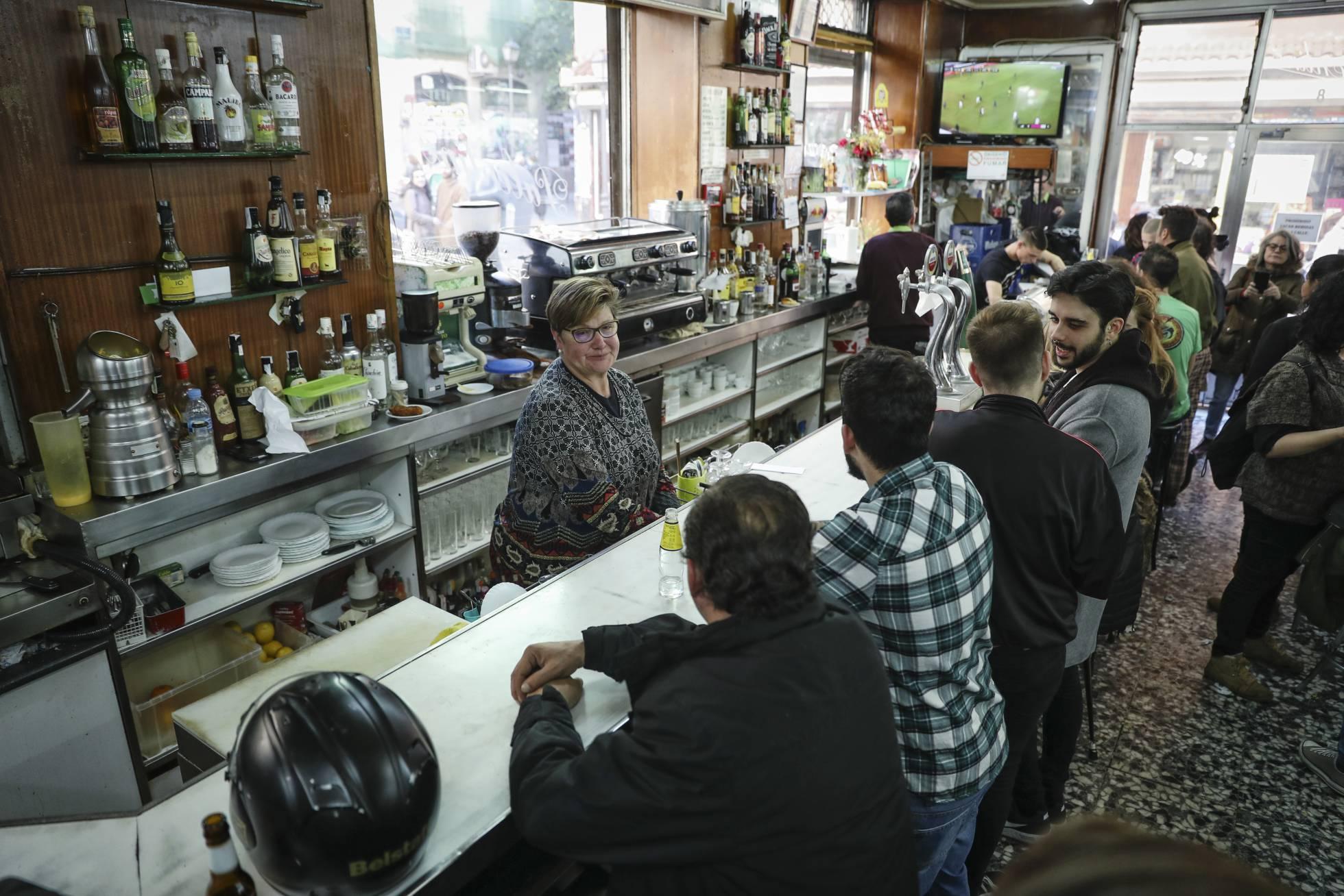 С центральных улиц Мадрида постепенно исчезают традиционные аутентичные бары