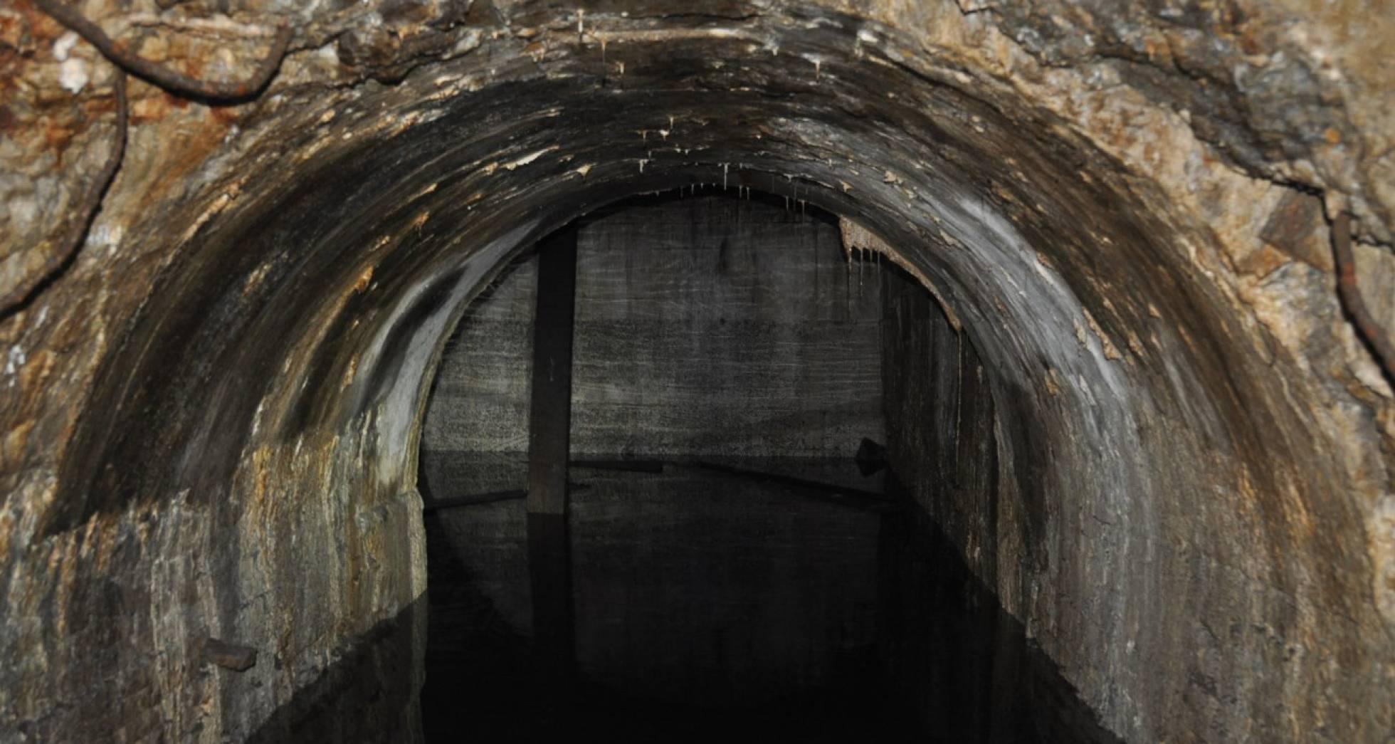 Археологи обнаружили начало туннеля несуществующей линии метро в Барселоне