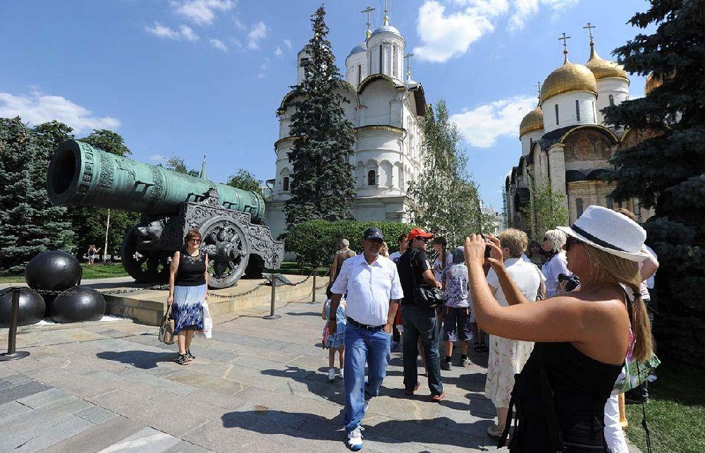 Голодец: число внутренних туристов составило рекордные 67 миллионов